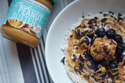 PEANUT BUTTER BLUEBERRY CHILLY OATS