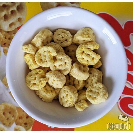 kelloggs waffle homestyle maple eggo cereal review