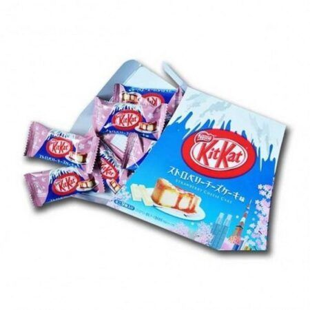 kit kat mount fuji strawberry cheesecake 1