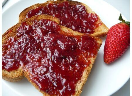 smuckers strawberry jelly 340g 2