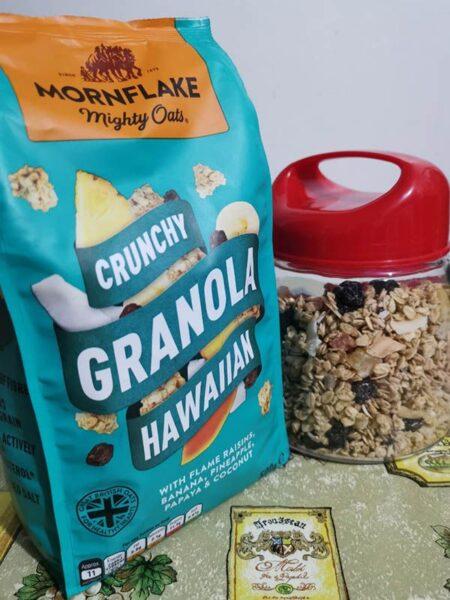 mornflakes mighty oats crunchy granola hawaiian
