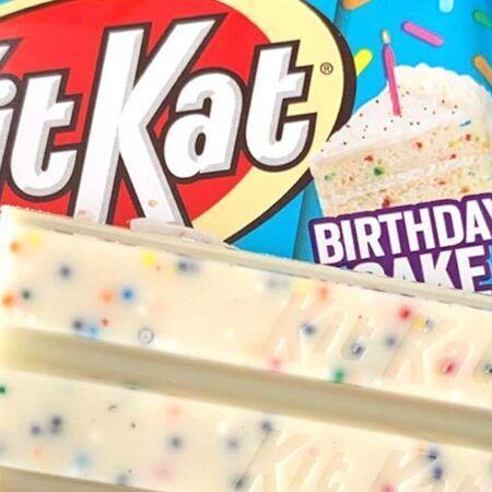 kit kat birthday cake g