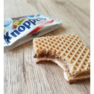 Knoppers Wafer with Milk Creme and Hazelnuts 625x679 1