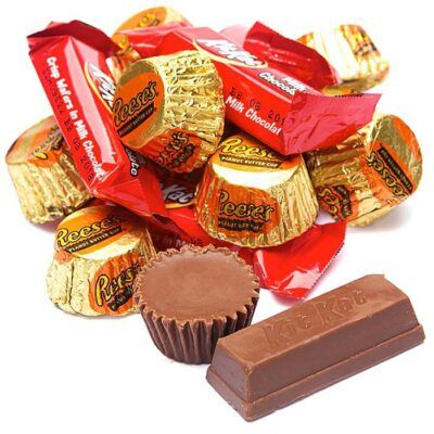 reeses kitkat minis party pack 946g 2