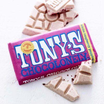 tony chocolonely white chocolate rasbery crspy sugar 2